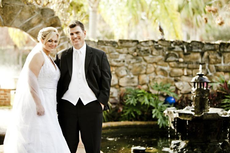 Bride and Groom for Tim Downer Independent Celebrant