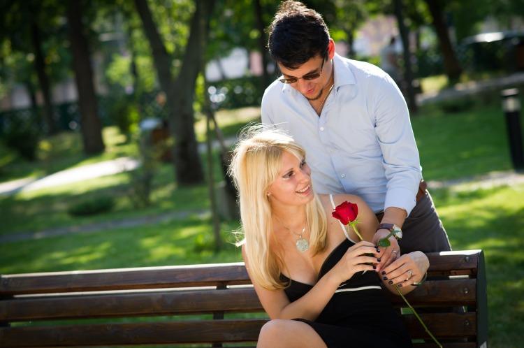 couple-2180541_1920